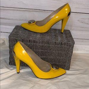 Stuart Weizmann yellow patent pump